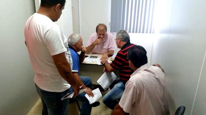 Reunião com vereadores de Ilhota sobre projeto de leis - Rogério do PT, Vereador Rogério,
